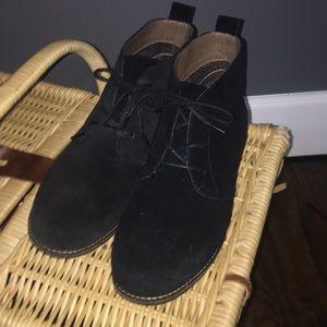 White Mountain Black Suede Chukka Boots